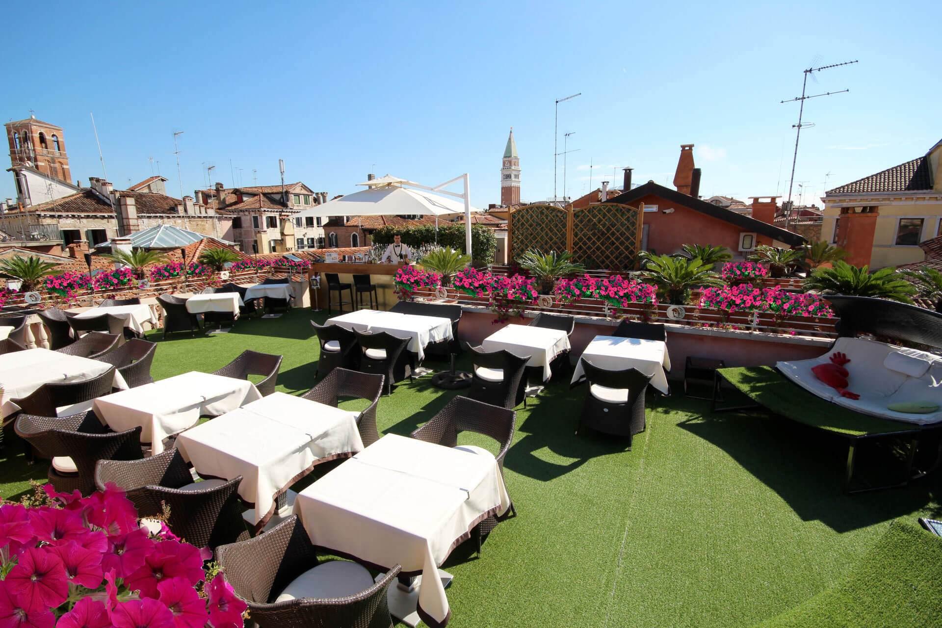 Scenic Terrace Hotel A La Commedia Venice